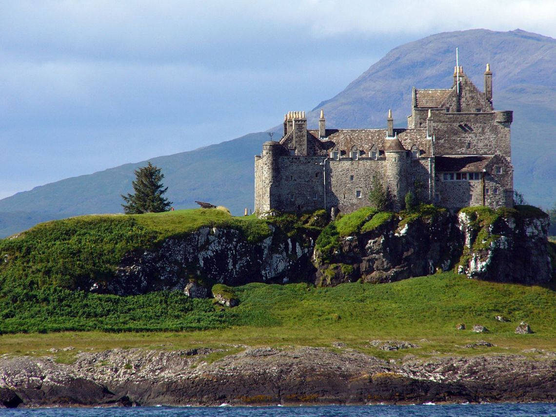 Duart-Castle-Scotland2
